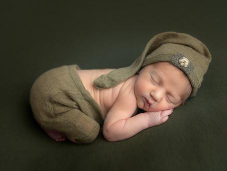 Little elf in my studio | Moncton newborn photographer