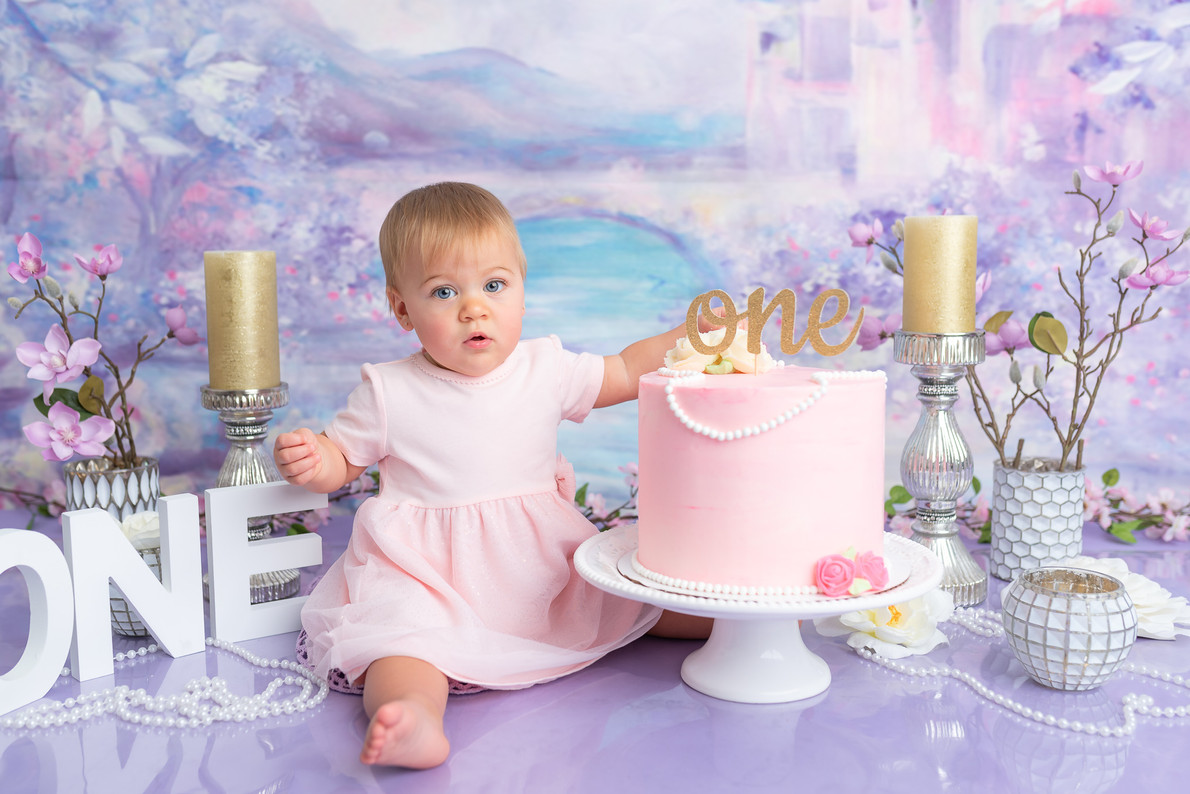 Moncton birthday cake smash session first one year photo picture photographer Irina Art Photography New Brunswick