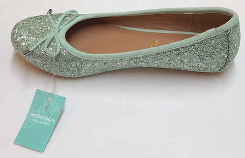 Monsoon Shoes NWOT Size 2.5
