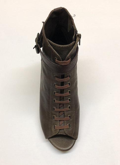 Vince Camuto Shoes Size 7.5