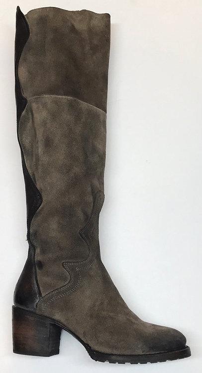Freebird Boots Size 9