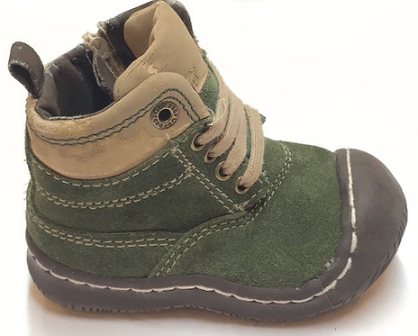 BabyGap Boots Size 4