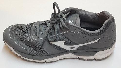 Mizune Sneakers Size 9