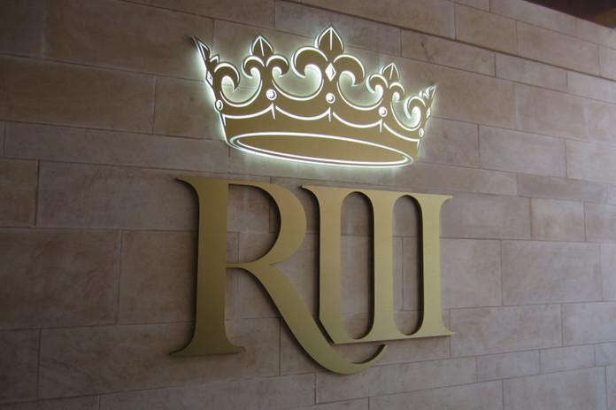 king-richard-iii-visitor-centre-1024x682