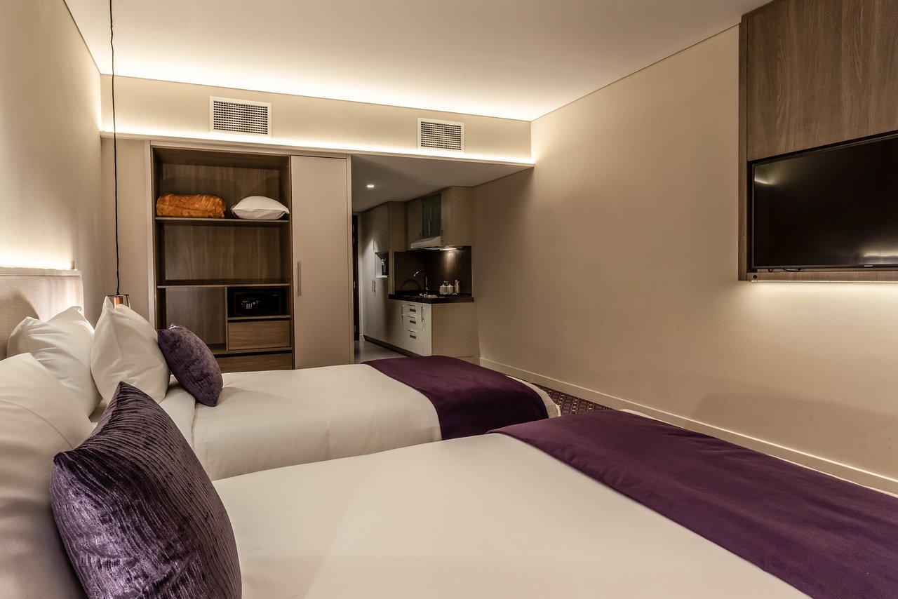 leva-hotel-apartments (2).jpg