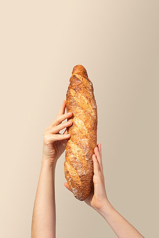 Baguete na mão.jpg