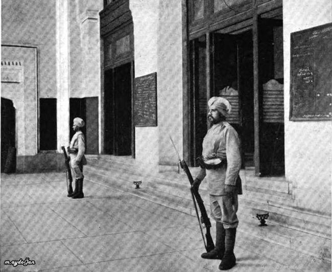 sigh -british soldiers 1920.jpg