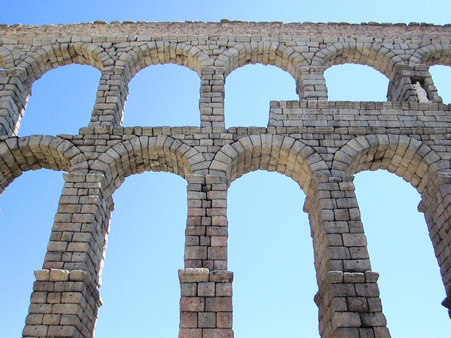 segovia-ancient-roman-aqueduct-architect
