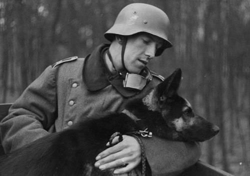German-soldier-and-dog