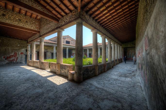 180412132107_02-casa-del-menandro.jpg