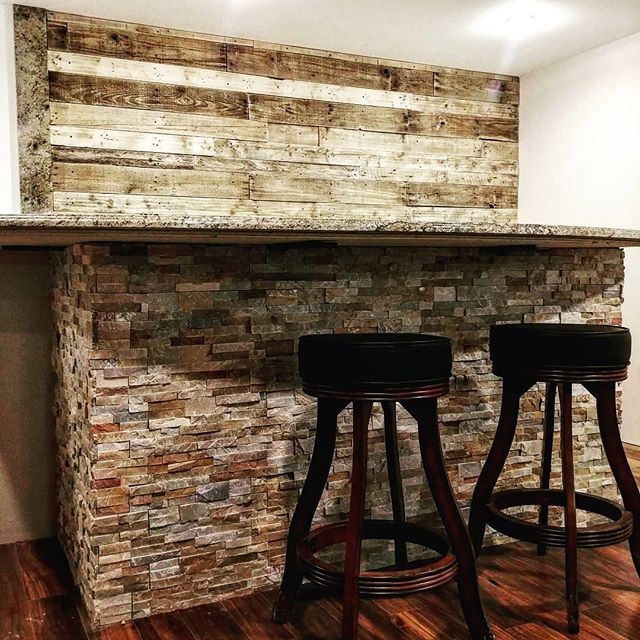Reclaimed Wood Accent Wall (Creative Stone, New Haven)