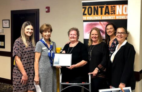 Dottie Wix honored with Community Heroine Award