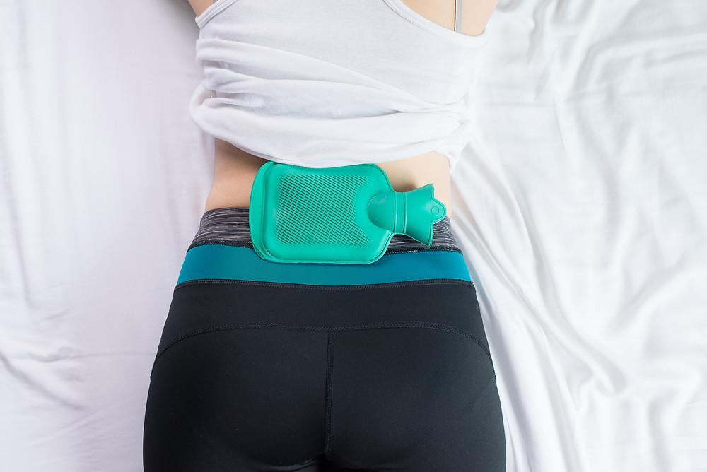 Wärmeflasche | Wärme | Alternative | Schmerzen | Lendenwirbelsäule | Rückenschmerzen | Mag. Ines Baumgartner | meetthismoment.at