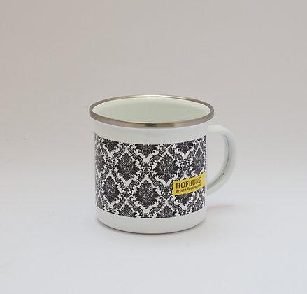 Emaille-Tasse mit Tapetenmuster