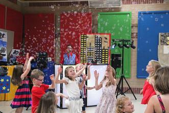 childrens entertainer west sussex (17).j