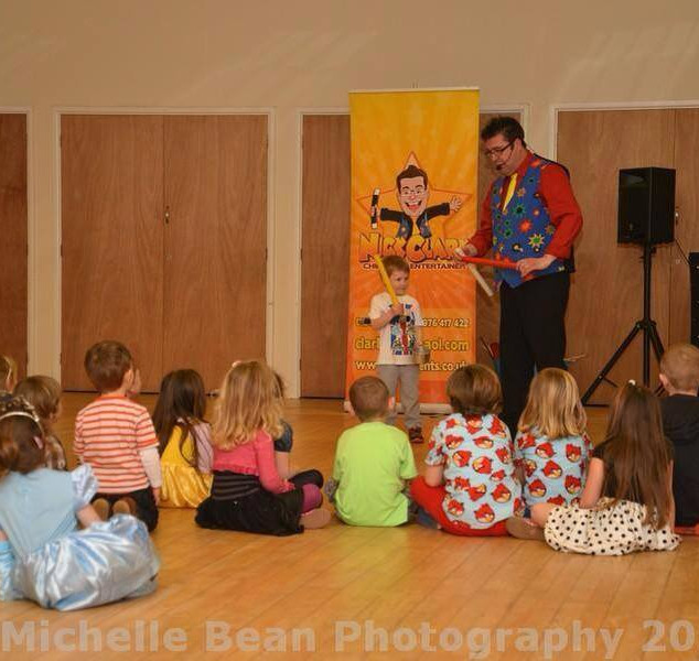 magician childrens entertainer.jpg