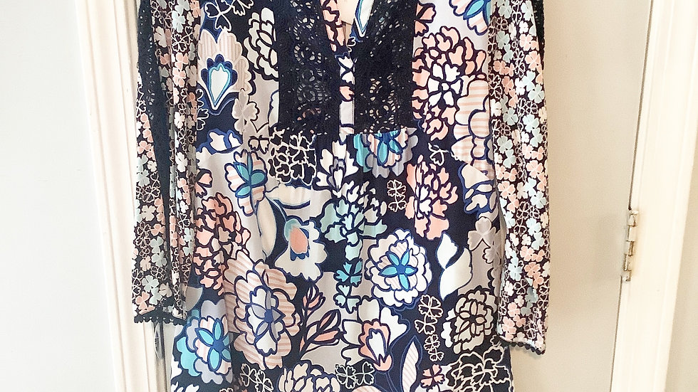NEW Crown & Ivy Floral Print Tunic Size S