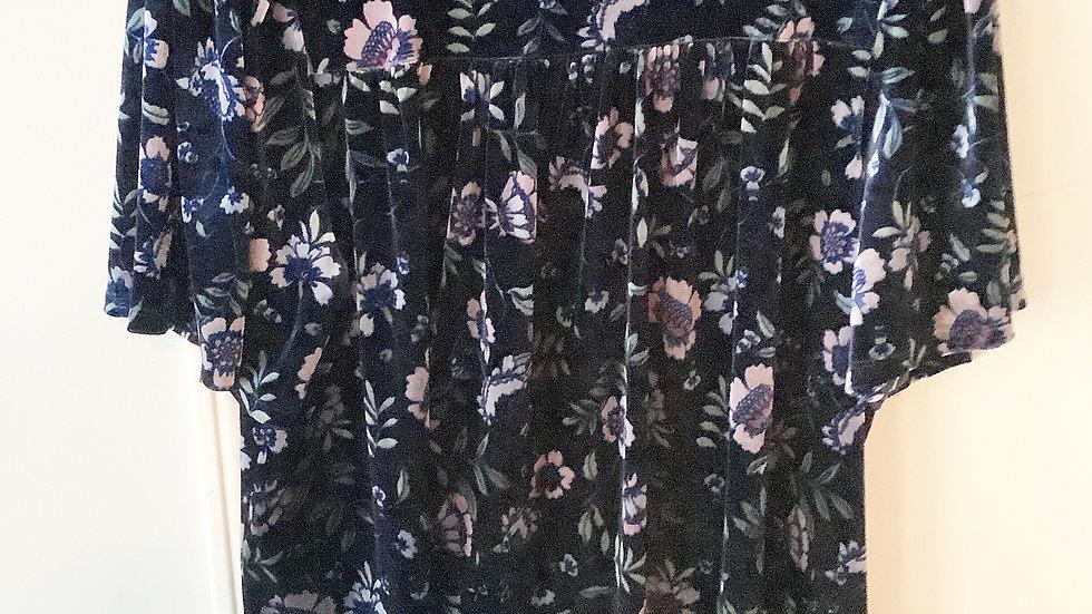 CeCe Black Velvet Floral Size L