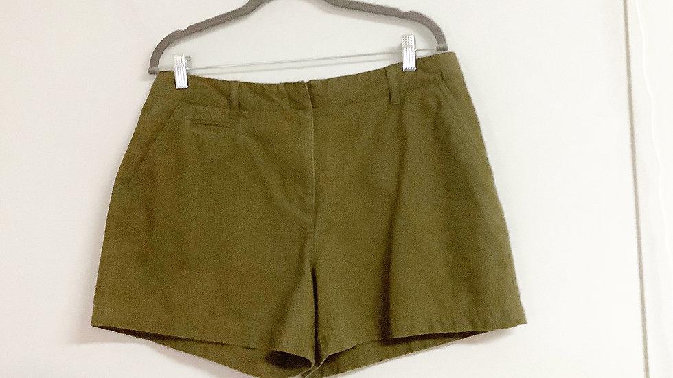 Isaac Mizrahi  Olive Shorts Size 14
