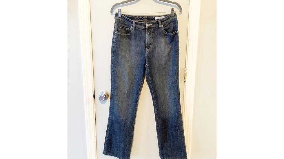 Chico's Straight Cut Medium Wash Jean Size 6