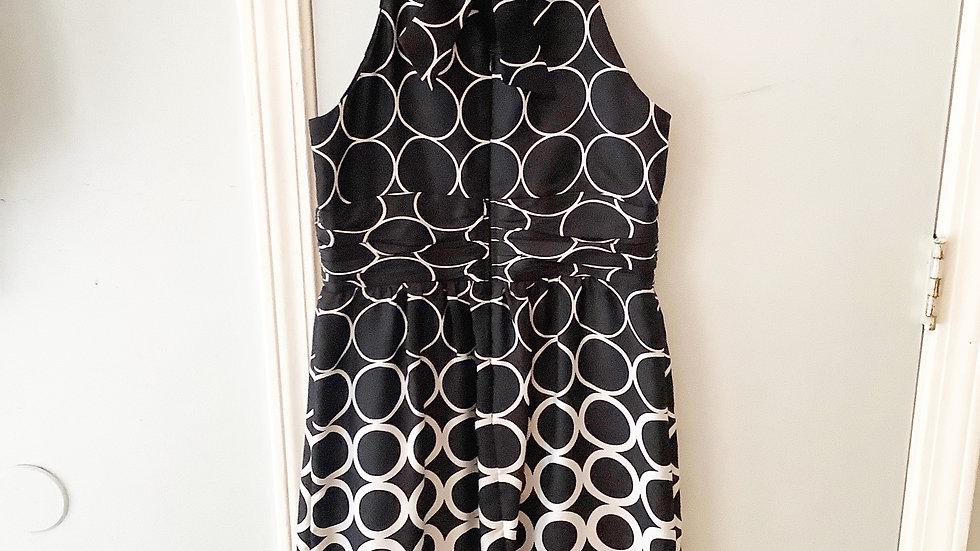 White House Black Market WHBM Circle Print Dress Size 4