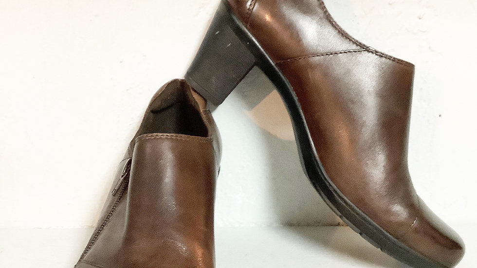 Clarks Brown Leather Heeled Shoe Size 10W