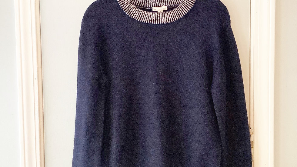 Gap Silver and Navy Wool Blend Sweater Size M