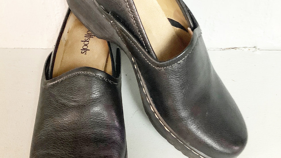 Softspots Leather Clog Loafer Size 7.5