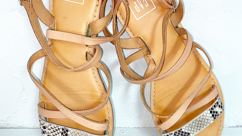 Gap multi strap snake print sandal Sz 9