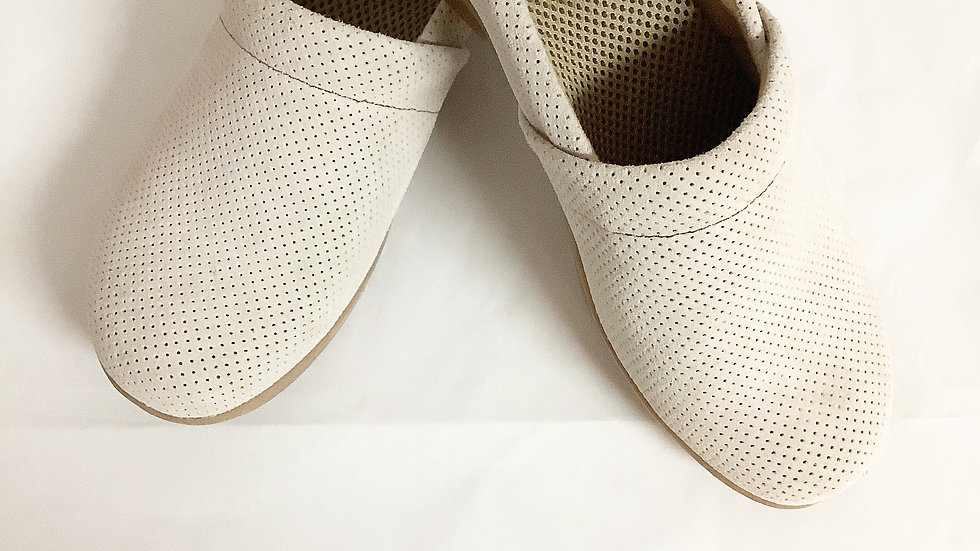 BOC Tan Leather Clog Size 7