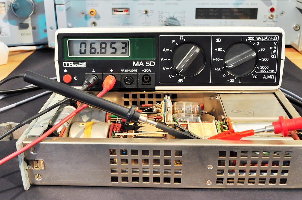 Amplifier heating system voltage measurement