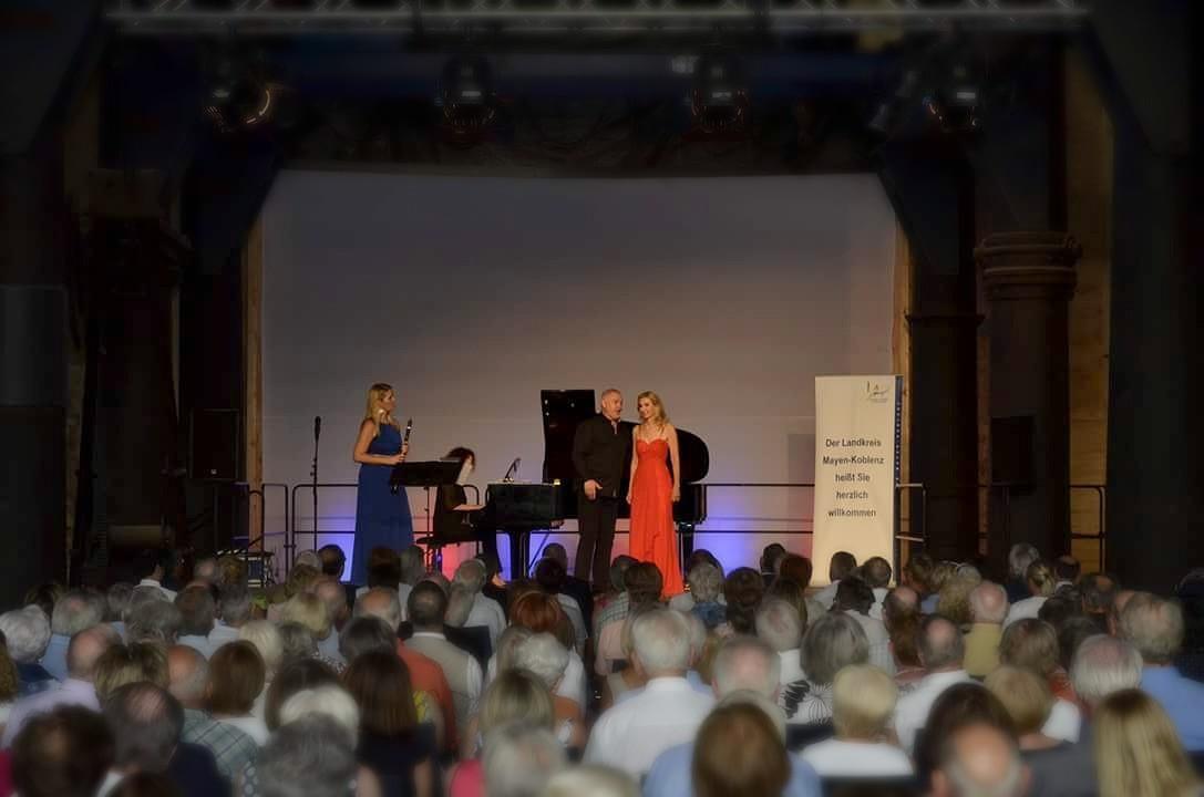 In Saynerhütte mit Klarinettistin Sabine Grofmeier, Tenor Johannes Groß und Sopranistin Eva Lind