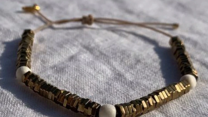 Natural hematite bracelet 1600