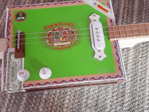 Ramon Allones fretted with single coil pickup