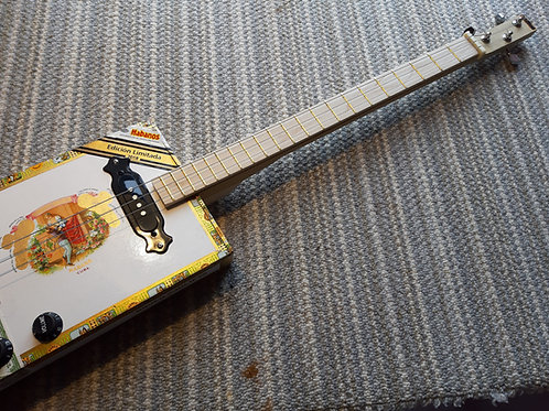 "Romeo y Julieta ""Edicion Limitada"" fretted with single coil pickup"