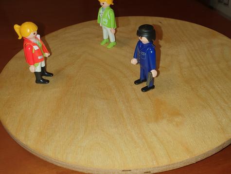 Proyección de Imágenes internas y resolución de conflictos y emociones con muñecos