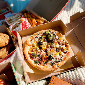 Picnic Date Night with LaRosa's Pizza