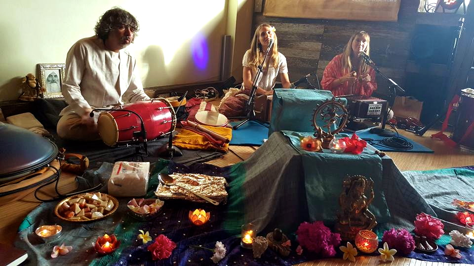kirtan at Be Still and Chill
