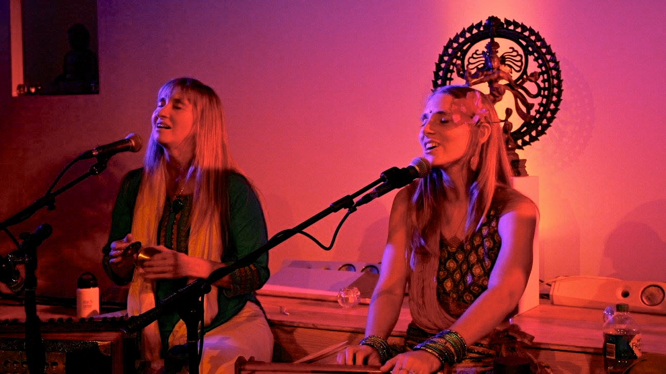 Kirtan at In Yoga
