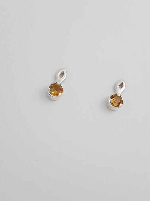 Brinco Lambrequim Mini G c/ Pedra .3