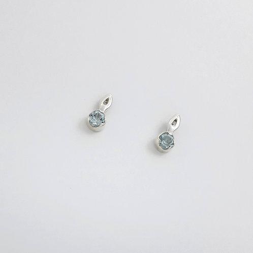 Brinco Lambrequim Mini G c/ Pedra .2