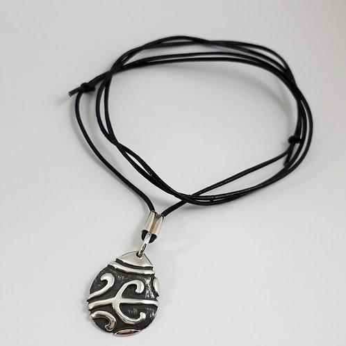 Ethno Pingente Maori Gota