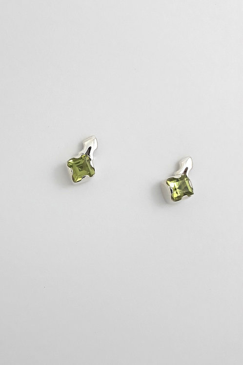 Brinco Lambrequim Mini G c/ Pedra .1