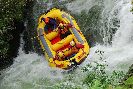 rafting-2033494_1920.jpg
