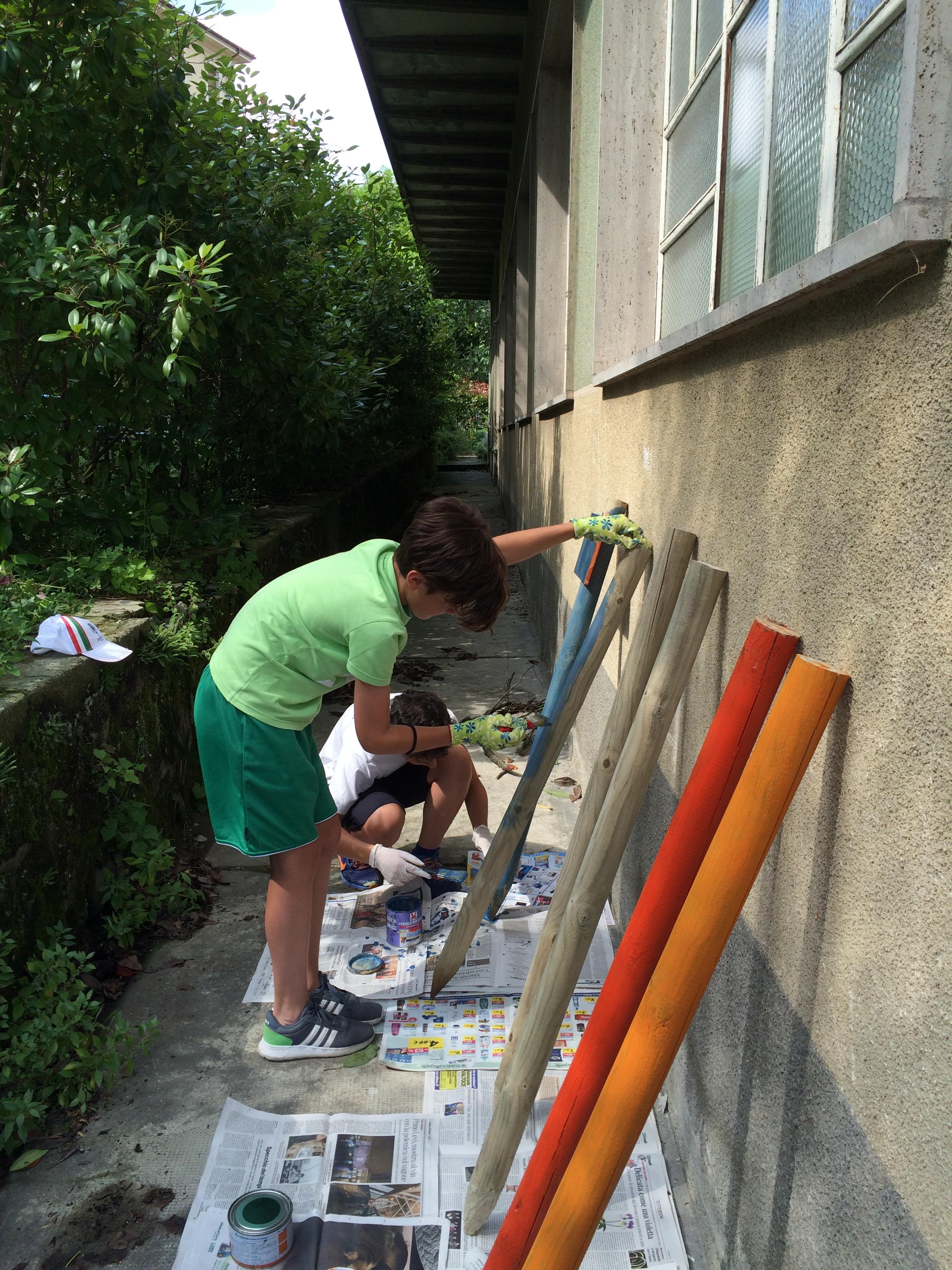 si dipinge la recinzione
