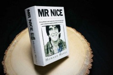 Mr.Nice Buch Box