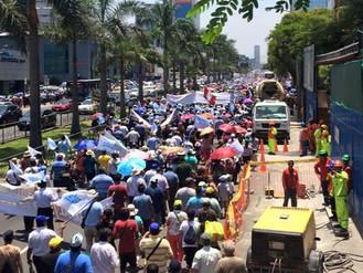 Multitudinaria Jornada de Lucha contra la Privatización de Sedapal