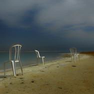Три забытых стула