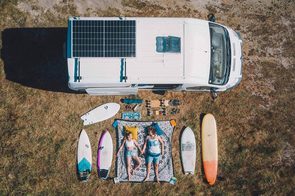 Minimalismus bei allem bis auf Surfbrettern