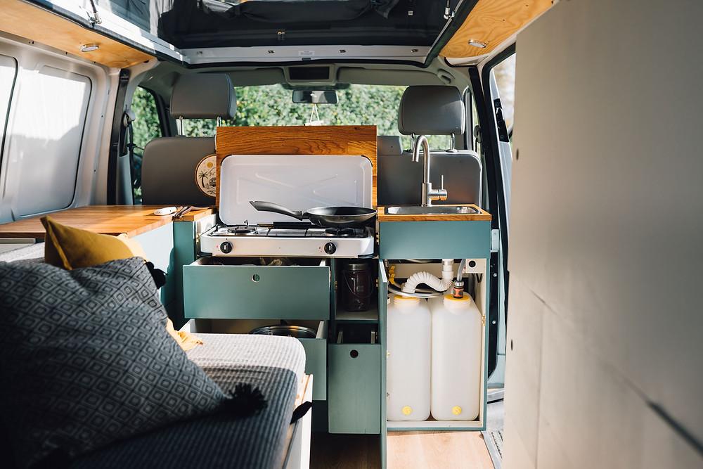 Kate und Andi haben 2020 einen VW T5 zum Camper ausgebaut
